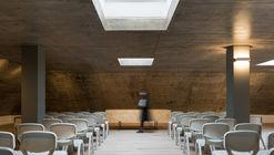 里斯本羊屋,在光中失重 / Linha de Terra Architecture