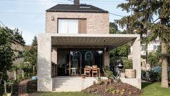 Family House on Nedű Street / Építész Stúdió