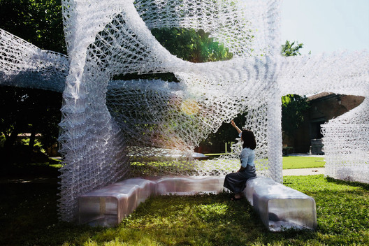 """Philip Yuan's """"Cloud Village"""" installation at the Chinese Pavilion. Image © Lim Zhang"""