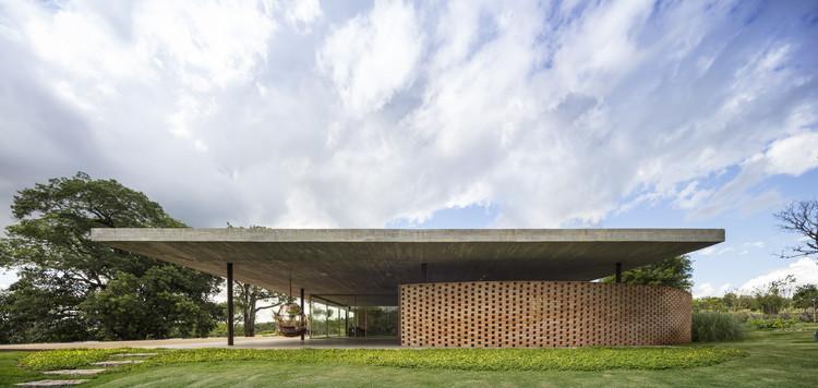 Casa Plana / Studio MK27 + Marcio Kogan + Lair Reis, © Fernando Guerra | FG+SG