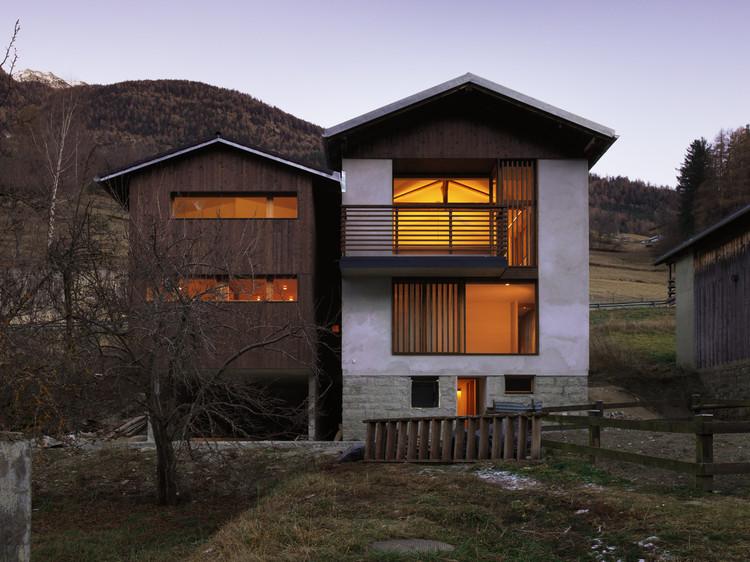 House EKC / Ralph Germann Architectes, © Lionel Henriod