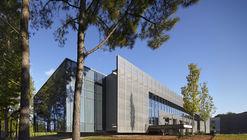 Regional Plant Teaching Facility / Clark Nexsen