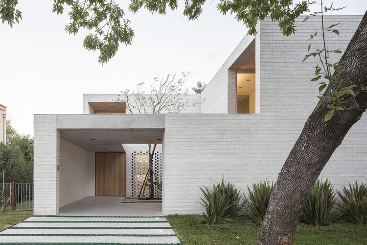 Newman House / Nicolás Pinto da Mota, Victoria Maria Falcon, © Fernando Schapochnik