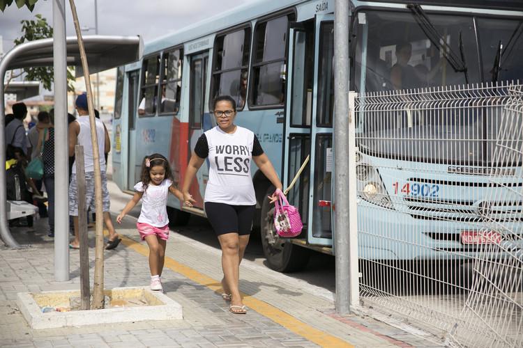 Mães e mobilidade urbana: como as cidades devem respeitar essa relação, O planejamento urbano deve incluir também projetos e ações pensadas em mães e filhos. Foto: Mariana Gil/WRI Brasil. Image Cortesia de Via TheCityFix Brasil
