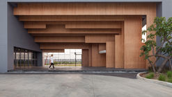 Escuela Ratchut / Design in Motion