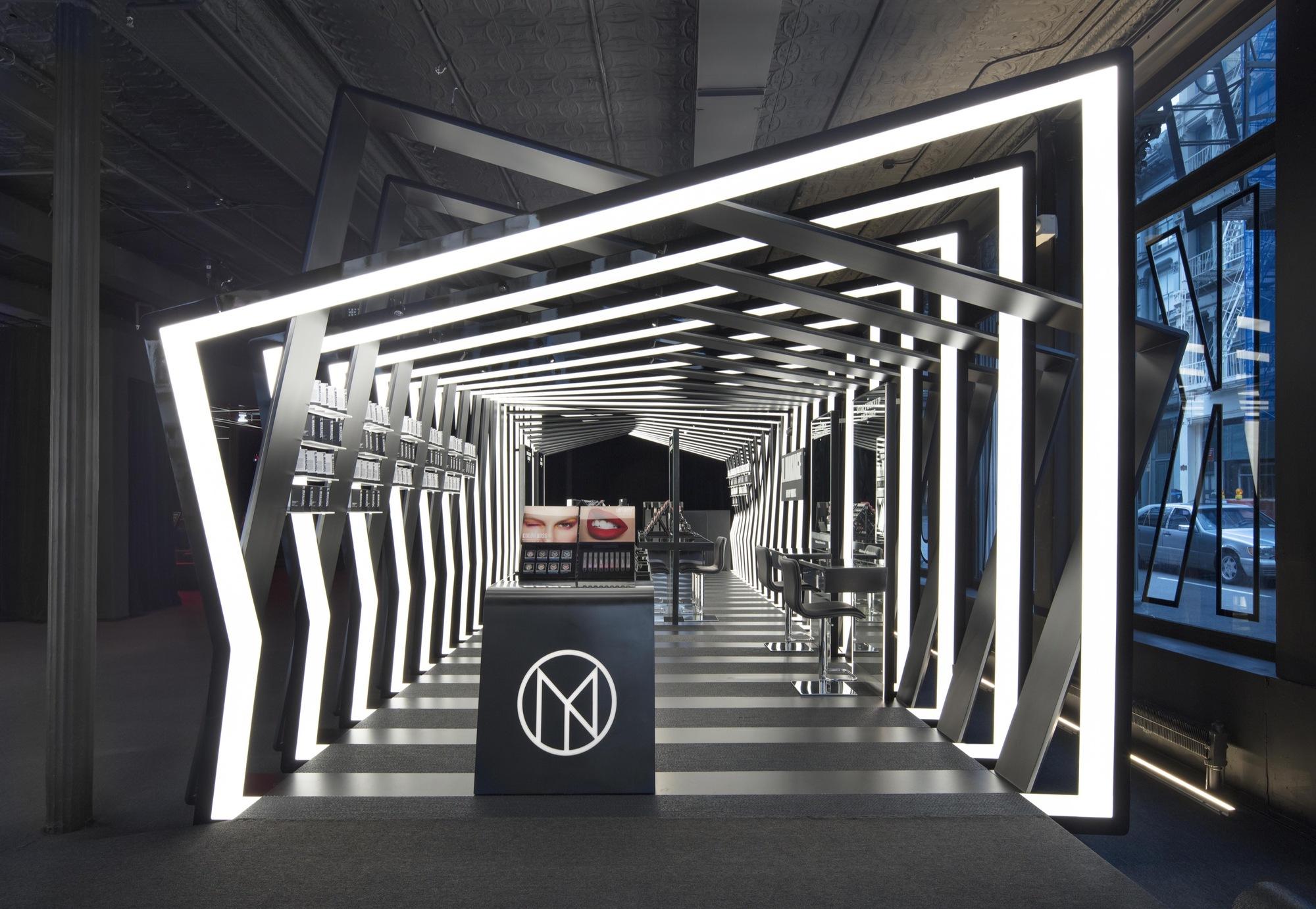 Boutique Pavilion By Zaha Hadid