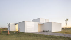 Casa Lucia / BHY arquitectos