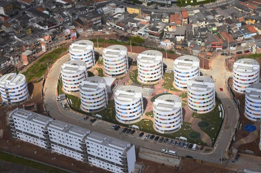 Social Architecture: The Misunderstanding That Led Ruy Ohtake To Improve Brazil?s Second Largest Favela