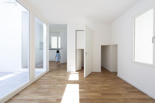 "Installation view of ""Svizzera 240: House Tour"" at the Swiss Pavilion at the 16th International Architecture Exhibition - La Biennale di Venezia. Image © Christian Beutler / KEYSTONE"