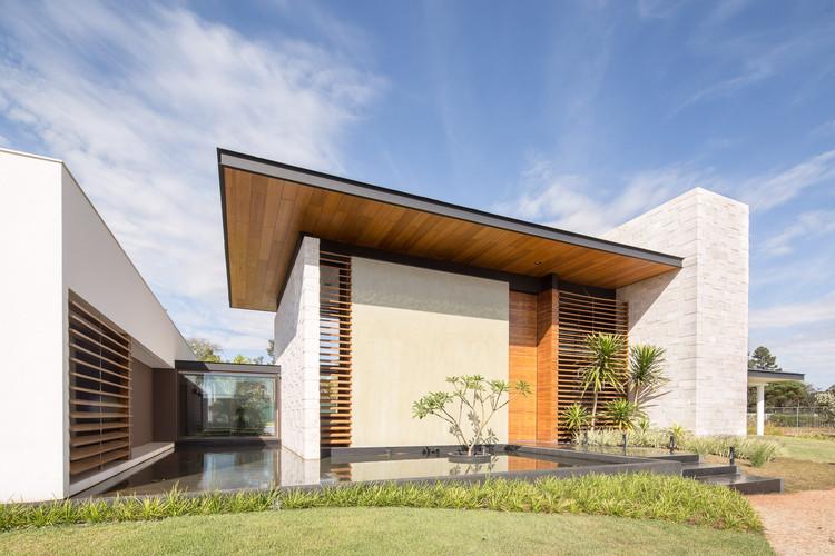 Oasis House / Esquadra Arquitetos + Yi Arquitetos, © Joana França