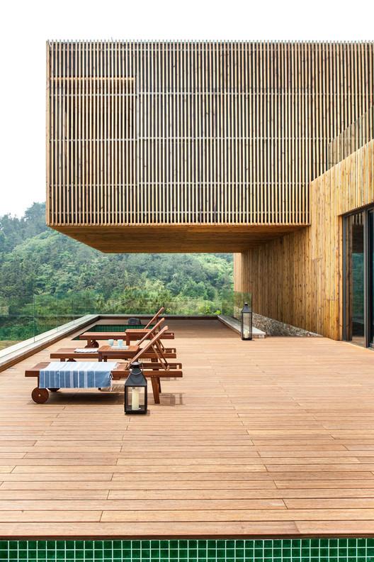 Resort Meijie Mountain Hotspring / Achterboschzantman Architecten, © Anna de Leeuw