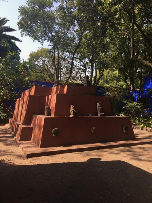Pirámide del Patio. Image Cortesía de Danae Santibáñez