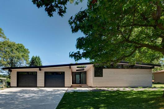 Koser I / Neumann Monson Architects