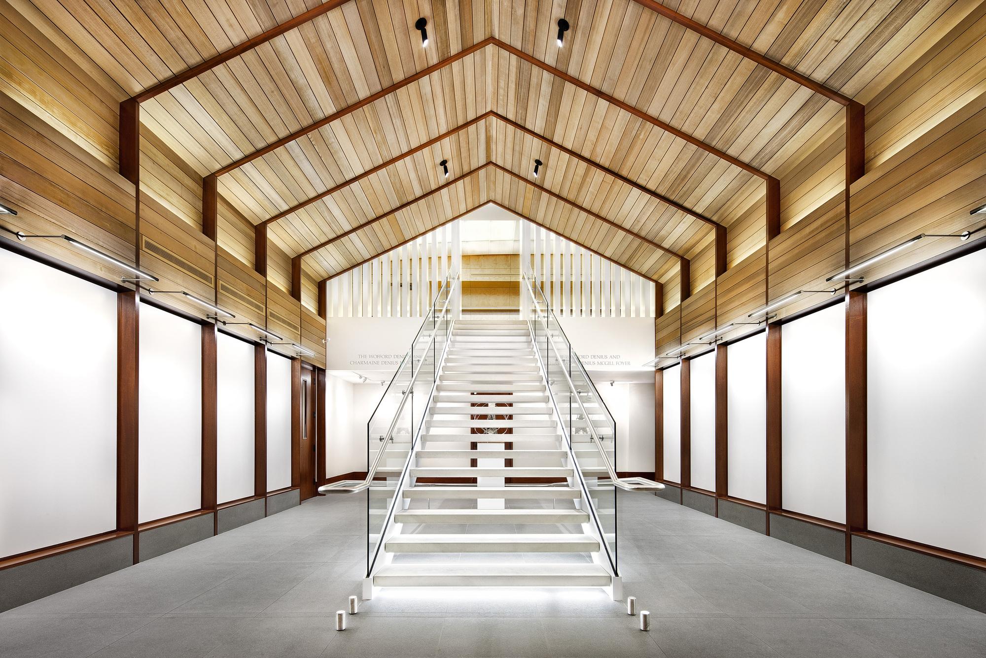 Texas Exes Alumni Center / Miró Rivera Architects