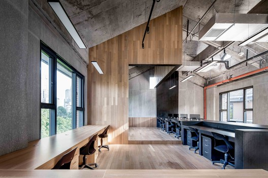 Coworking Space in Building-2. Image © ARCHEXIST