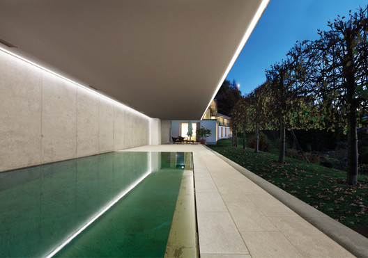 Wall Recessed - Continuous Rod | SIMES. Image Courtesy of SIMES