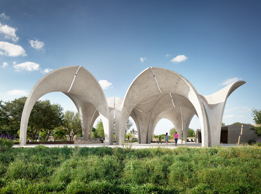 Confluence Park / Lake|Flato Architects + Matsys Design