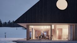 """三角墻""住宅 / mia2/Architektur"