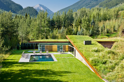 House in the Mountain / Gluck+