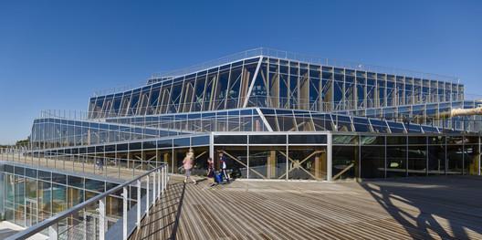 Water Park Aqualagon / Jacques Ferrier Architecture