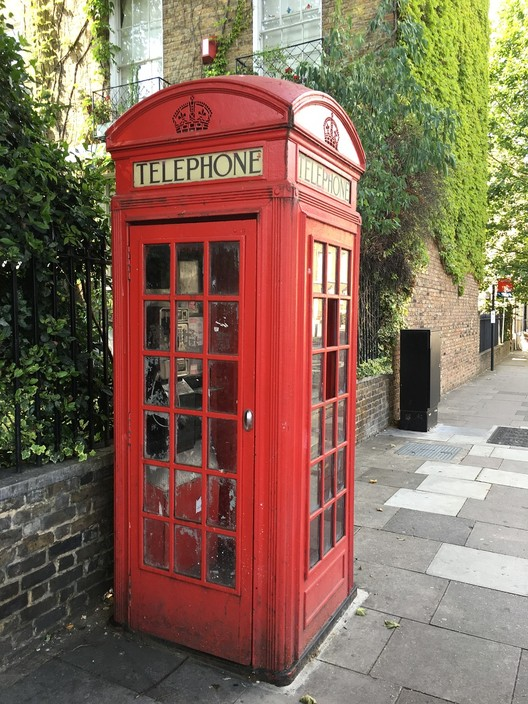 UK Phone Booth . Image via Pixabay