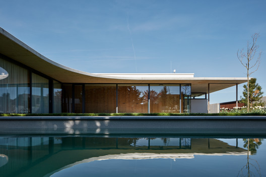 Casa familiar en Jarovce / Compass Atelier