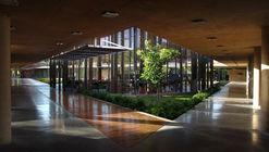 Edificio Comercial La plaza Ciudad del Saber Panamá / Leonardo Álvarez Yepes arquitectos
