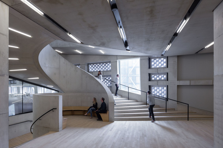 A Collection of Herzog & de Meuron's Striking Staircases, Tate Modern Switch House / Herzog & de Meuron © Iwan Baan