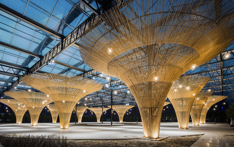 The Sun Shed of Chun Qin Yuan Ecological Farm Renovation / Mix Architecture, Multiple Function Room Bamboo Umbrella and Star. Image © Lin Cong