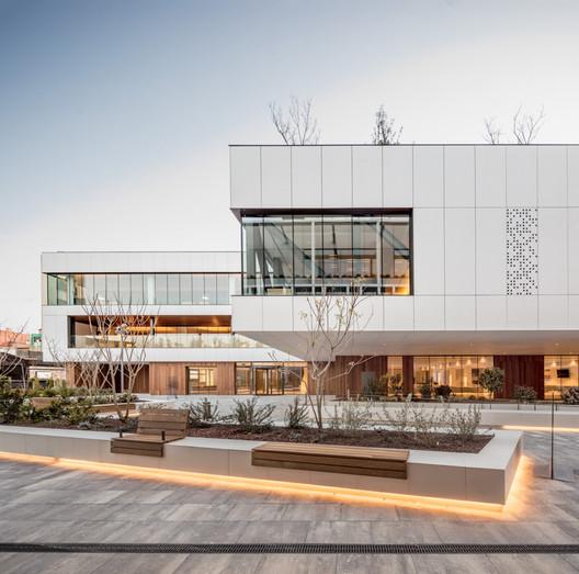 New Sancho de Avila's Funeral Home / JFA – Estudio de Arquitectura
