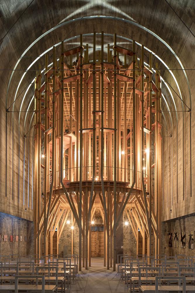 Imaculada and Cheia de Graça Chapel / Cerejeira Fontes Architects