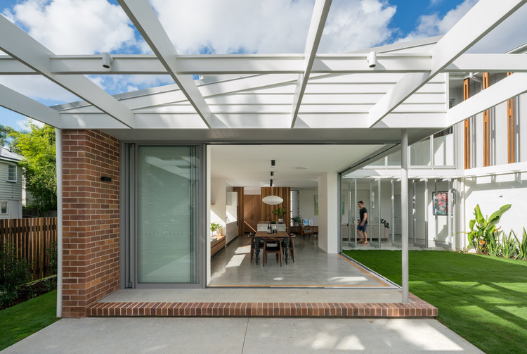 Brisbane City Courtyard House / Kelder Architects, © Angus Martin Photography