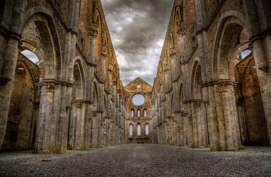 Abbey of San Galgano. Image Courtesy of Wikimedia user MAX PIXEK licensed under Creative Commons Attribution 3.0
