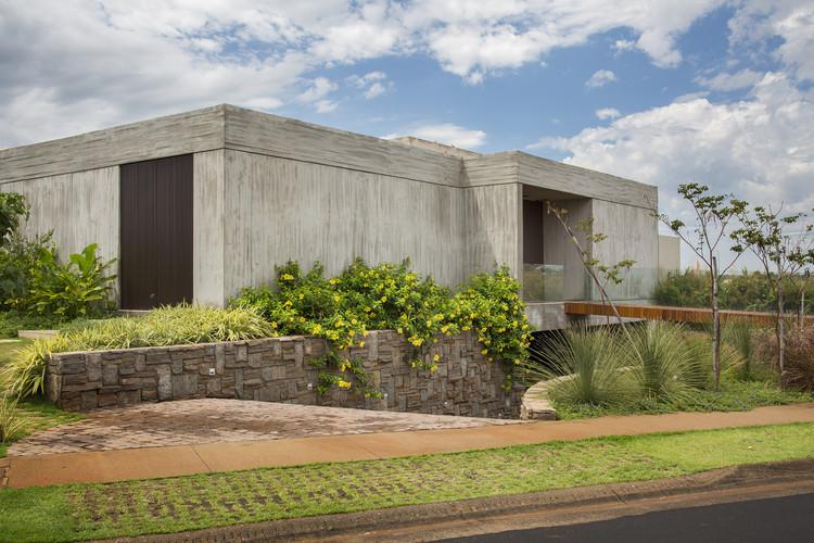 Residencial Quinta do Golfe 2 / Solange Cálio Arquitetos, © Denilson Machado – MCA Estúdio