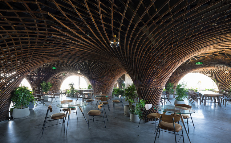 Nocenco Café / VTN Architects, © Trieu Chien