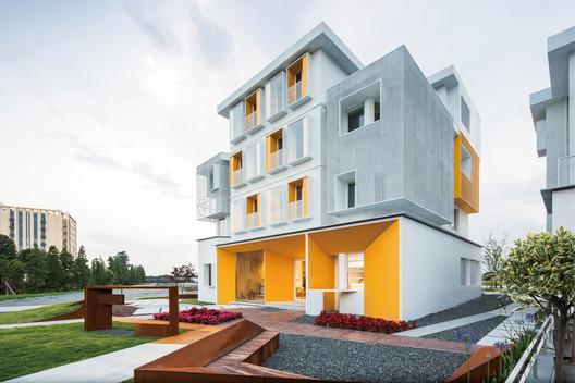 Multi - type residential Model. Image © Qiu Ripei-AD Photography