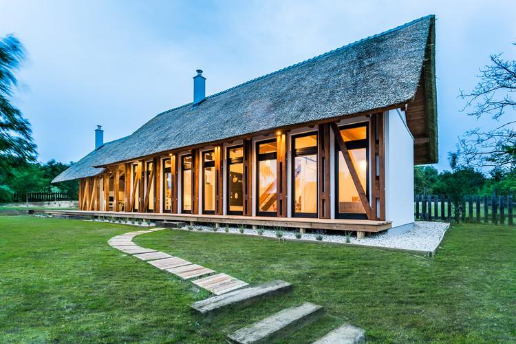 Hostal Portushome / Barna Architects, © Tamás Bata