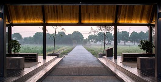 Countryside post. Image © Yong Zhang