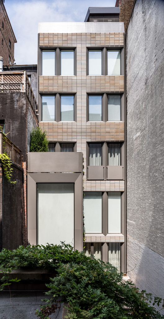 Upper Eastside Townhouse / Michael K Chen Architecture