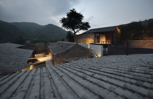 house close to the Great Wall. Image © Lei Jin