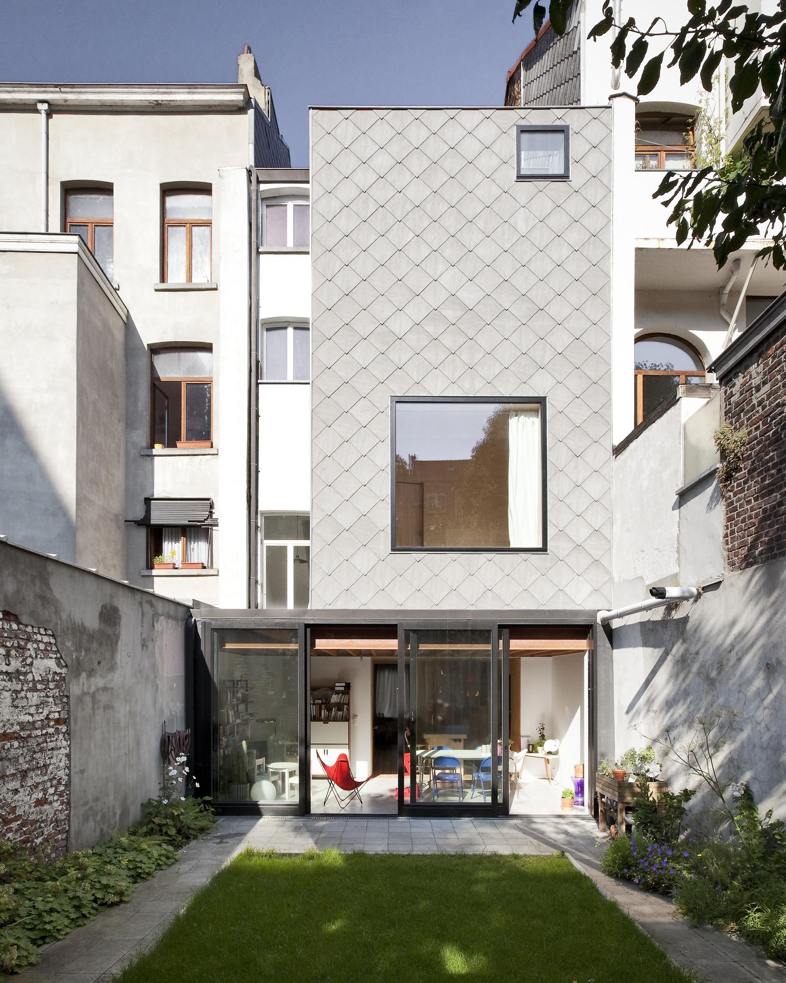 Transformación de una casa adosada en Bruselas / Label architecture