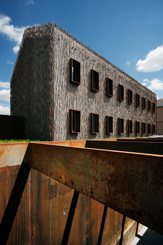 Museum and Education Center House of Fate / Attilafk Architects, © Tamás Bujnovszky