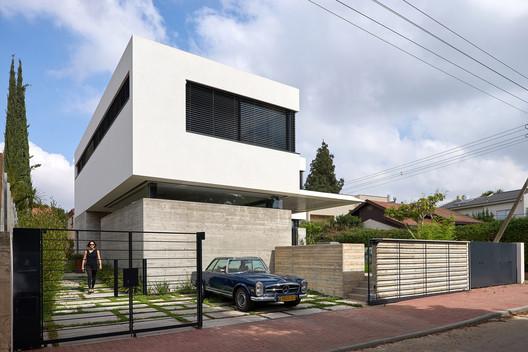 Neve Monoson House 3 / Daniel Arev Architecture