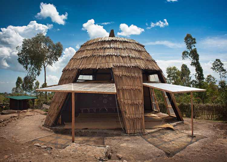Gahinga Batwa Village / Localworks, © Will Boase Photography | Craig Howes