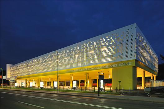 Bus Station Velenje / Guzic Trplan arhitekti d.o.o.