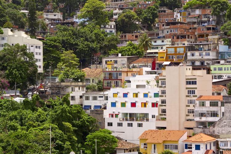IBGE disponibiliza gratuitamente série de mapas das áreas urbanizadas do Brasil, © a l o b o s, via Flickr. Licença CC BY-NC-ND 2.0