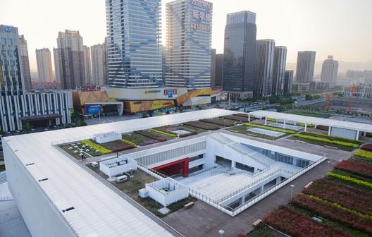 Roof Top Patio. Image © Qiang Zhao