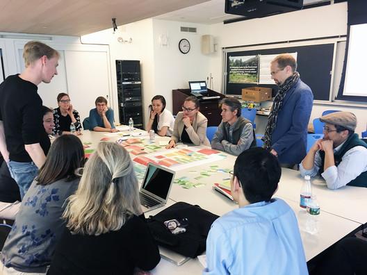 The Wellesley College team in a design workshop session. Image Courtesy of Lulu Li