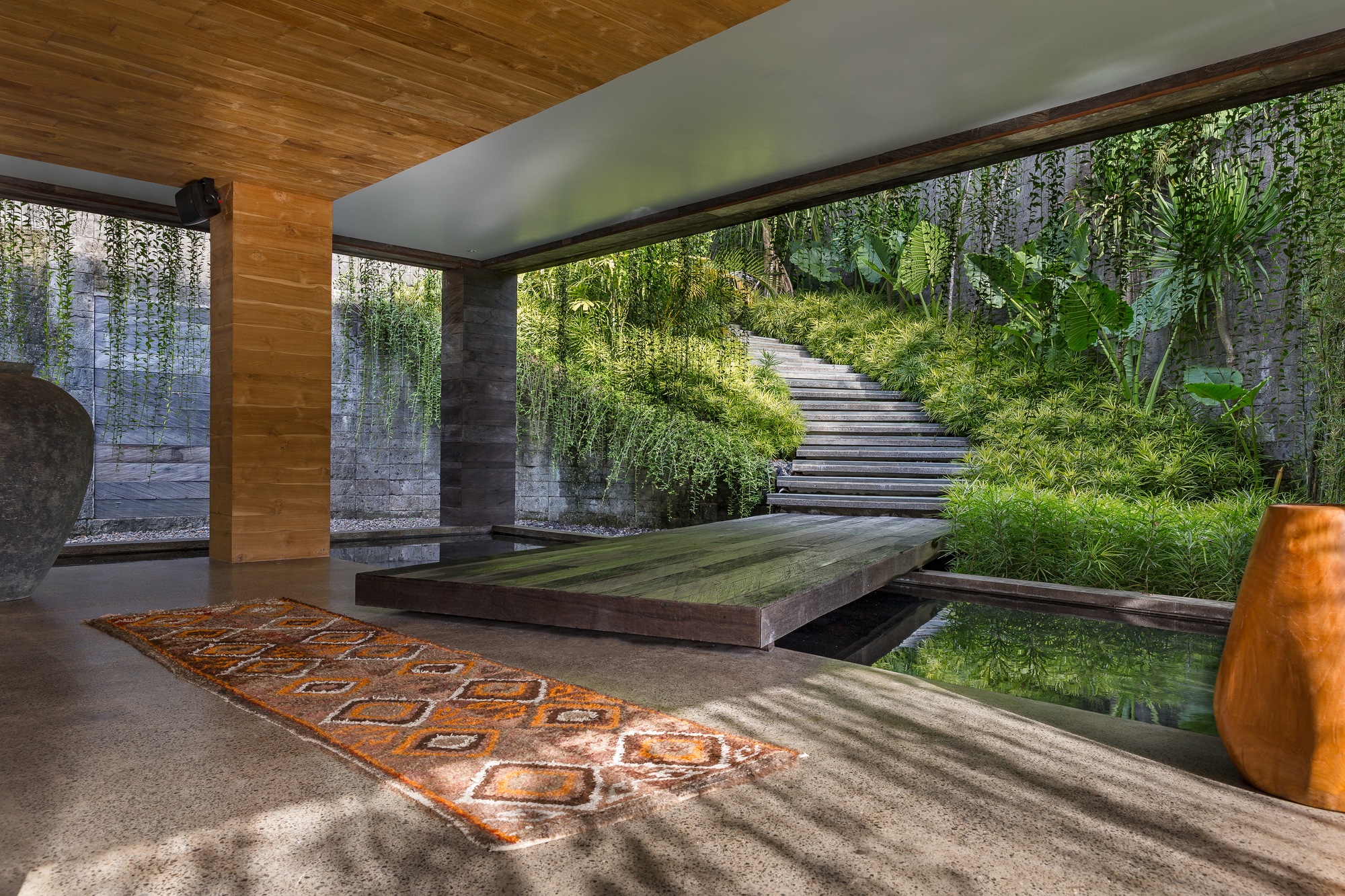 Chameleon Villa / Word of Mouth Architecture