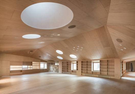 Baiona Public Library / Murado & Elvira Architects
